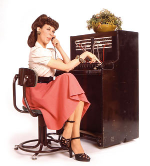 lily_tomlin_telephone_operator